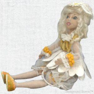Текстиьлная шарнирная кукла.