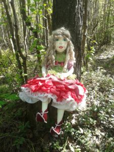 Кукла Пион. Прогулка в лесу.