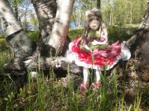 Текстильная кукла Пион в гостях у березок.