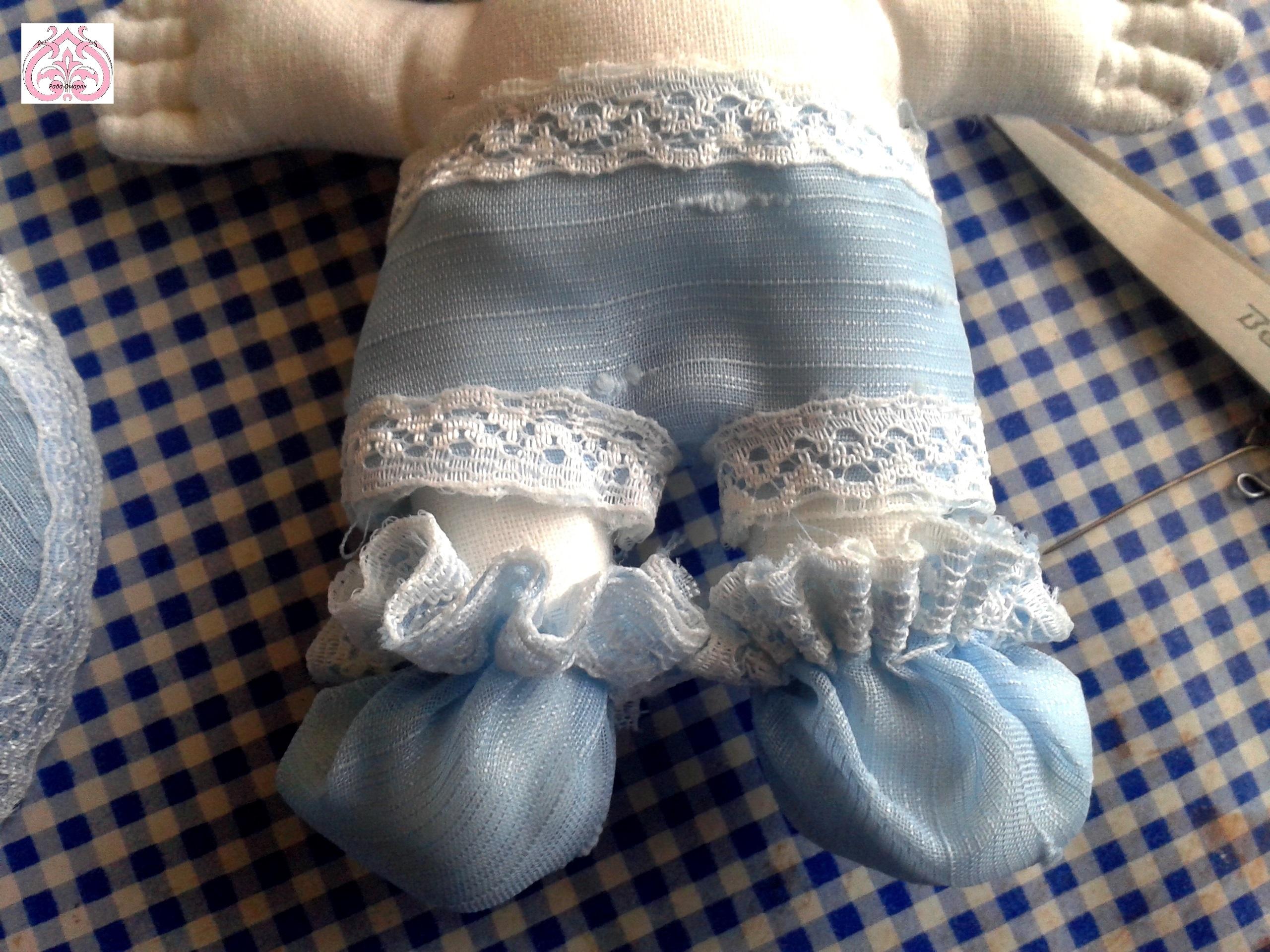 Утяжка тапочек куклы.
