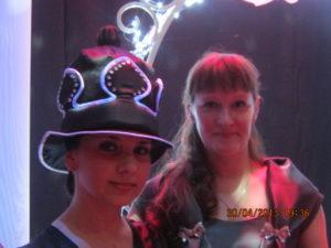 Шляпа черной шахматной королевы