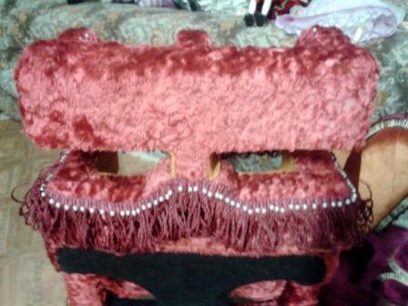 Оформление диванчика.